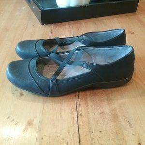 Life Stride black shoes size 9.5